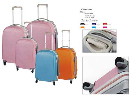 Different sizes spinner luggage