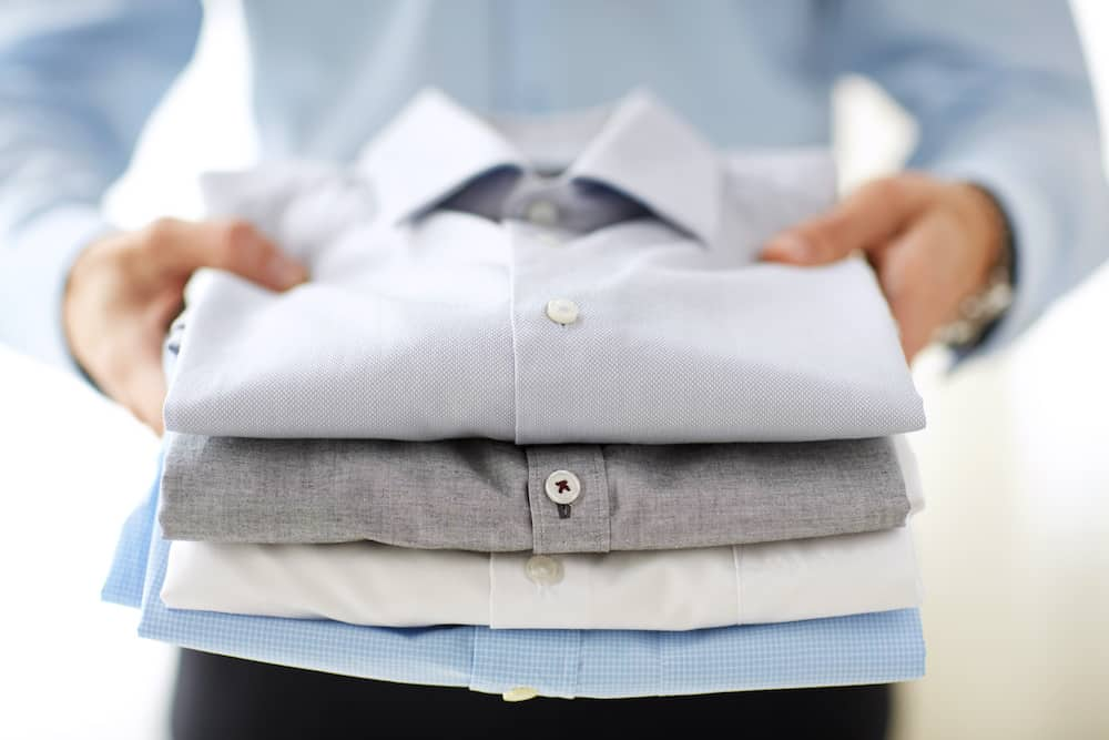 how to fold button up shirts for travel
